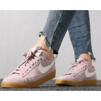 Nike Blazer Low Suede Mujer (Diffused Taupe/Sail) AV9373-500